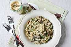 Przepis na 30-Minute Vegan Risotto with Kale and Mushrooms Recipe
