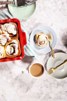 Przepis na King Arthur Flour Cream Cheese Cinnamon Rolls