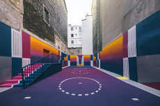 Przepis na A Technicolor Basketball Court Pops Up in Paris