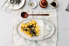 Przepis na Soft Scrambled Japanese Tamago Rice Bowl Recipe