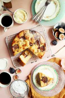 Przepis na Simple Fig and Mascarpone Cake