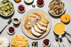 Przepis na The Most Stress Free Thanksgiving You'll Ever Host: An Instant Pot Thanksgiving Dinner