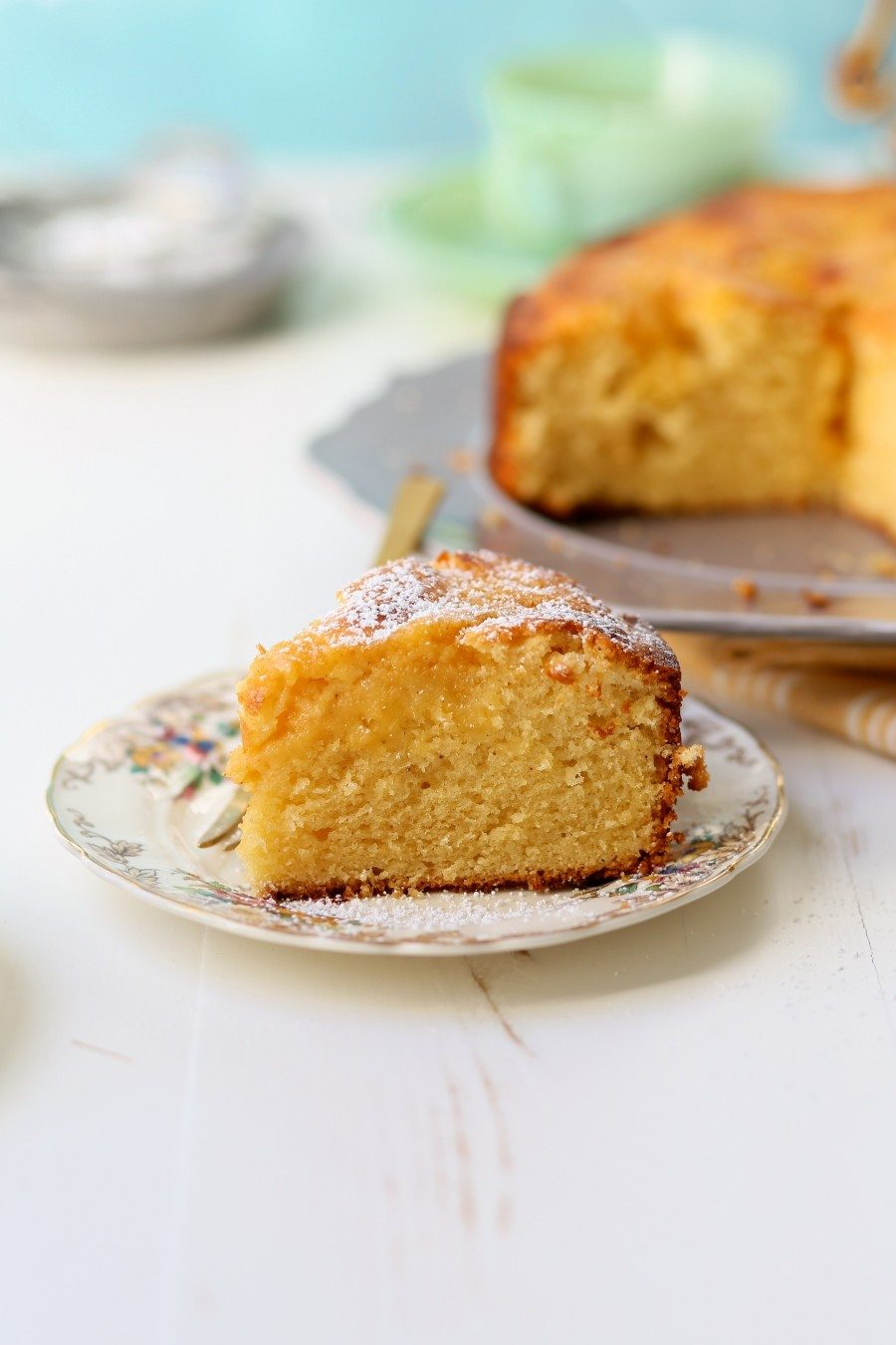 Grapefruit Curd in Grapefruit Cake